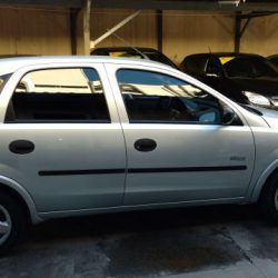 manella-veiculos-chevrolet-corsa-hatch-04